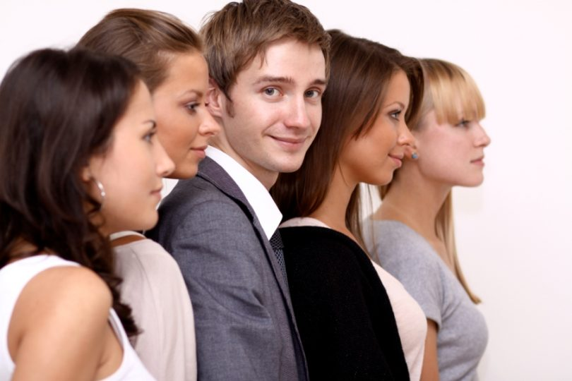 Как мужчине выжить в женском коллективе