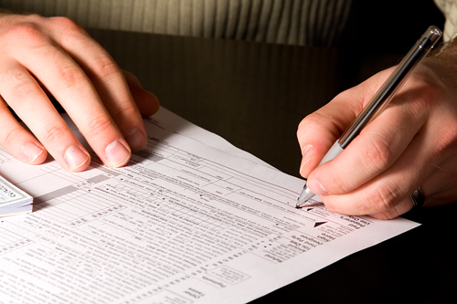Срок подачи декларации в налоговую до 4 мая.