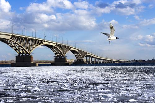 Саратовские мостостроители получили свои деньги
