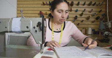 Новосибирску требуются швеи и инженеры