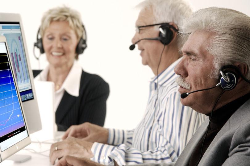 Платит ли налог пенсионер за дачный участок